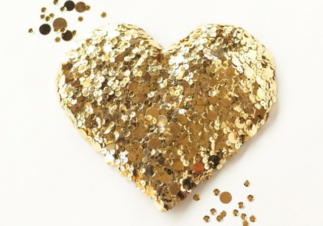 640_diy-gold-sequin-heart-6